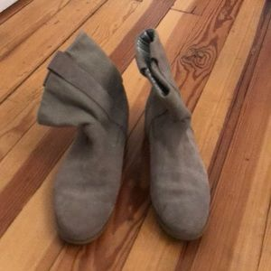 Toms tan suede western boots 8.5